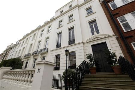 The five bedroomed property of 16 Cottesmore Gardens in London, December 1, 2011. Buried deep in American Airlines' Chapter 11 bankruptcy filing is a dazzling company heirloom -- a town house in one of London's most expensive residential streets that property experts say could be worth up to $30 million.   REUTERS/Stefan Wermuth