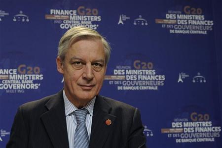 French Central Bank Governor Christian Noyer attends a news conference at the end of the G20 meeting of Finance Ministers and Central Bank Governors at the French Finance ministry in Paris October 15, 2011. REUTERS/Gonzalo Fuentes