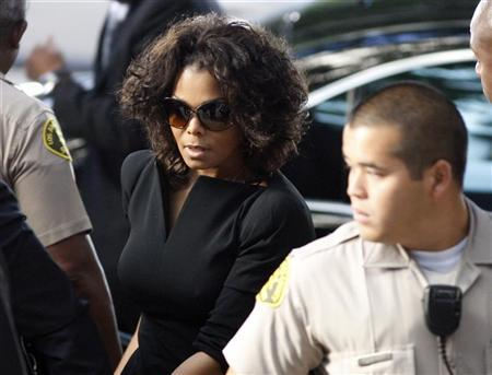 Janet Jackson arrives during the opening day of Dr. Conrad Murray's trial in the death of pop star Michael Jackson in Los Angeles September 27, 2011.   REUTERS/David McNew