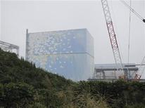 """Реактор № 2 АЭС """"Фукусима"""" в 240 километрах к северо-востоку от Токио, 15 сентября 2011 года. Правительство Японии остановило ядерный реактор поврежденной в результате цунами АЭС Фукусима в холодном состоянии, что стало ключевым шагом в попытке взять под контроль самую страшную со времен Чернобыля ядерную аварию. REUTERS/Tokyo Electric Power Co/Handout"""