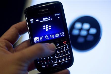 A BlackBerry handset is displayed in Washington, December 15, 2011. REUTERS/Jonathan Ernst