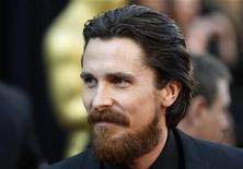 Christian Bale na cerimônia dos Oscars, em fevereiro. O ator, que interpreta o super-herói Batman no cinema, foi intimidado por seguranças chineses ao tentar visitar um ativista cego, cuja detenção causou indignação dentro e fora da China, disse a CNN na sexta-feira.27/02/2011  REUTERS/Lucas Jackson