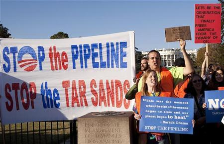 Demonstrators call for the cancellation of the Keystone XL pipeline during a rally in front of the White House in Washington November 6, 2011. REUTERS/Joshua Roberts