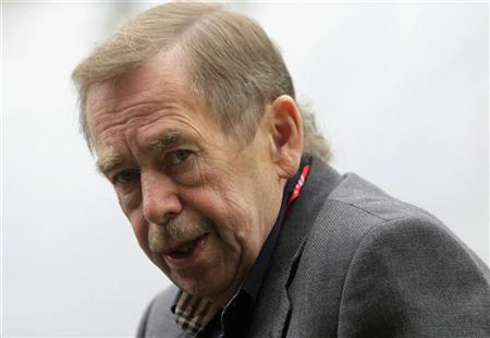 Former Czech President, dissident and playwright Vaclav Havel speaks to media during the filming of a movie based on his play ''Leaving'' in Ceska Skalice, July 20, 2010. REUTERS/Petr Josek