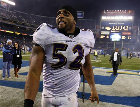Baltimore Ravens inside linebacker Ray Lewis (52) walks off the field after loosing to the San Diego Chargers following their Sunday Night NFL football game in San Diego, California December 18, 2011.   REUTERS/Mike Blake