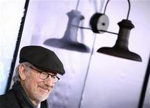 "<p>Director Steven Spielberg arrives for the premiere of the movie ""The Adventures of Tintin"" in New York December 11, 2011. REUTERS/Carlo Allegri</p>"