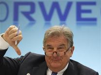 Глава RWE Юрген Гроссман на ежегодной пресс-конференции компании в Эссене 24 февраля 2011 года. Немецкая RWE прекратила переговоры с российским Газпромом о создании СП в электроэнергетике Европы, которые компании вели на эксклюзивной основе. REUTERS/ Ina Fassbender