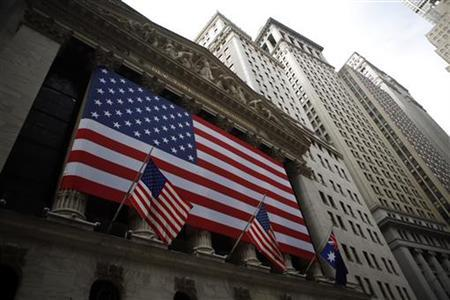 The exterior of the New York Stock Exchange is seen in New York, March 27, 2009. REUTERS/Eric Thayer /Files