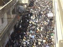 Антиправительственная демонстрация в Дамаске 21 декабря 2011 года. Российская нефтяная компания Татнефть приостановила работу на углеводородном блоке в Сирии из-за нестабильной политической ситуации в этой стране, сообщила пресс-служба компании со ссылкой на главу компании Шафагата Тахаутдинова. REUTERS/Handout