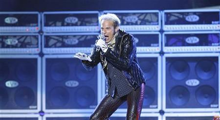 David Lee Roth of Van Halen performs at Tiger Jam XI in Las Vegas April 19, 2008.  REUTERS/Mario Anzuoni