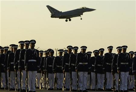 A Saudi air force jet flies in formation during a graduation ceremony for air force officers at King Faisal military college in Riyadh December 27, 2009.  REUTERS/Fahad Shadeed