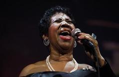 A cantora Aretha Franklin se apresenta num evento beneficente em Nova York, nos Estados Unidos, em maio de 2011. REUTERS/Eric Thayer