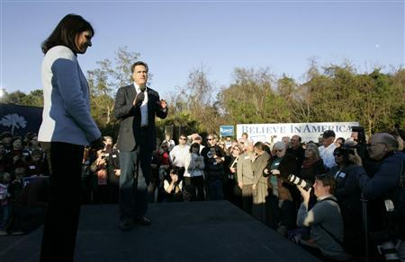 U.S. Republican presidential candidate Mitt Romney holds a campaign rally with South Carolina Gov. Nikki Haley at the Charles Towne Landing as they are greeted by supporters during a campaign stop in Charleston, South Carolina, January 5, 2012. REUTERS/Mary Ann Chastain