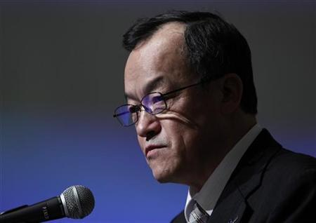 Olympus Corp President Shuichi Takayama speaks at a news conference in Tokyo December 15, 2011.   REUTERS/Kim Kyung-Hoon