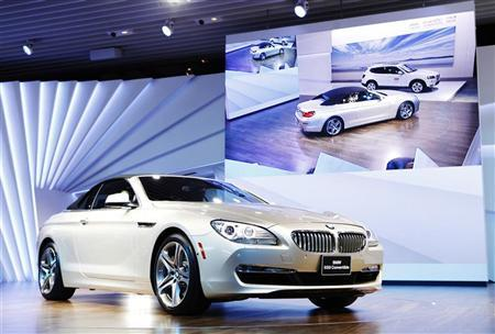 The BMW 650i convertible is revealed during the press days for the North American International Auto show in Detroit, Michigan, January 10, 2011.     REUTERS/Mark Blinch