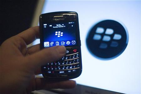 A BlackBerry handset is displayed in Washington, December 15, 2011. Research In Motion releases its financial results on Thursday, as investors await news on whether RIM will stand by its current timetable to switch its smartphones to the new QNX operating system by early next year.   REUTERS/Jonathan Ernst