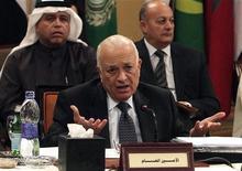 Генеральный секретарь Лиги Арабских государств Набиль аль-Араби во время встречи арабских стран в Каире 8 января 2012 года. Глава Лиги Арабских государств (ЛАГ) Набиль аль-Араби опасается начала гражданской войны в Сирии, которая может отразиться на соседних с ней государствах. REUTERS/Asmaa Waguih