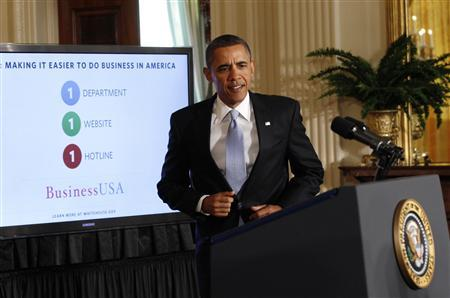 U.S. President Barack Obama arrvies to deliver remarks on government reform at the White House in Washington January 13, 2012.  REUTERS/Kevin Lamarque