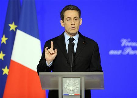 France's President Nicolas Sarkozy addresses his New Year wishes to the members of Parliament at the Elysee Palace  in Paris January 11, 2012.  REUTERS/Eric Feferberg/Pool