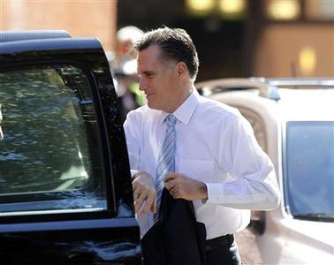U.S. Republican presidential candidate and former Massachusetts governor Mitt Romney arrives for the Huckabee Forum 2, a televised event, in Charleston, South Carolina, January 14, 2012. REUTERS/Jason Reed