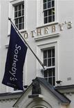 <p>Imagen de archivo de las oficinas de la casa de subastas Sotheby's en Londres, feb 15 2007. La confianza del mercado del arte muestra pocas señales de desfallecer pese a las crecientes preocupaciones económicas, y las casas de subastas Christie's y Sotheby's predicen grandes ventas en Londres el mes próximo. REUTERS/Kieran Doherty</p>