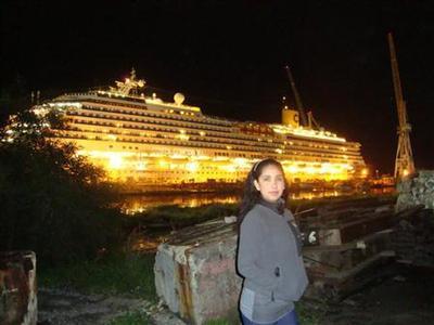 Stricken Italian liner shifts, 29 people missing