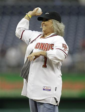 Food Network personality Paula Deen throws out the first pitch prior to the Washington Nationals versus New York Mets MLB baseball game in Washington, May 19, 2010.     REUTERS/Gary Cameron