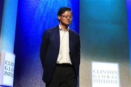 Co-founder and former CEO of Yahoo! Inc. Jerry Yang arrives for the announcement of a commitment pledge at the Clinton Global Initiative in New York in this September 22, 2010 file photo.  REUTERS/Lucas Jackson/Files