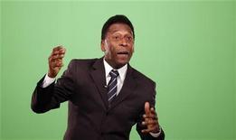 Pelé em entrevista com a Reuters em junho de 2010. Segundo ele, é preciso fazer uma limpeza na Fifa. 25/06/2010. REUTERS/Nacho Doce