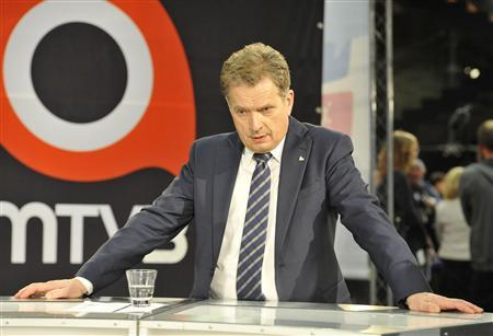 National Coalition candidate Sauli Niinisto is seen at the Helsinki Music Hall after the first round of the Finnish presidential elections in Helsinki January 22, 2012. REUTERS/Jussi Nukari/Lehtikuva