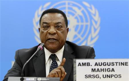 Augustine Mahiga, United Nations Special Representative for Somalia and Head of the United Nations Political Office for Somalia addresses a news conference at the United Nations offices at Gigiri in Kenya's capital Nairobi, May 25, 2011. REUTERS/Thomas Mukoya