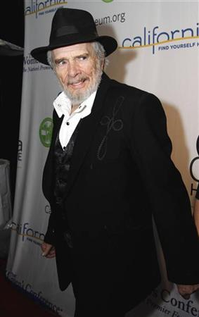 Country music performer Merle Haggard walks the red carpet at the California Hall of Fame Induction Ceremony at the California Museum in Sacramento, California December 14, 2010.    REUTERS/Kevin Bartram