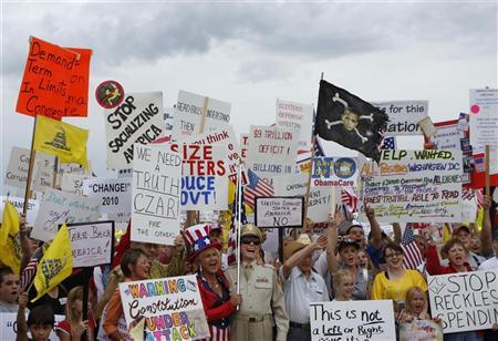 Tea Party protesters in Flagstaff, Arizona, demonstrate against President Obama, Congress, and the corruption of Washington politics, August 31, 2009. REUTERS/Joshua Lott