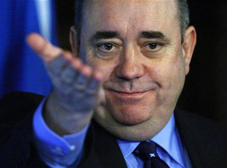 Scotland's First Minister Alex Salmond gestures to journalists during a press conference in the Great Hall of Edinburgh castle, Scotland January 25, 2012. REUTERS/David Moir