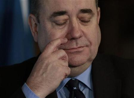 Scotland's First Minister Alex Salmond attends a news conference in the Great Hall of Edinburgh castle, Scotland January 25, 2012. REUTERS/David Moir