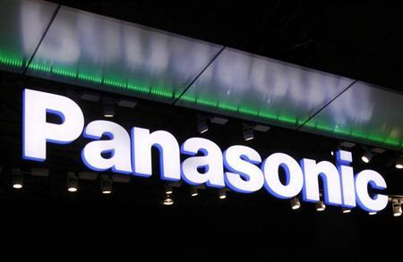 Logo of Panasonic Corp. is seen at CEATEC JAPAN 2011 electronics show in Chiba, east of Tokyo, October 4, 2011. The IT & Electronics comprehensive exhibition goes on till October 8. REUTERS/Kim Kyung-Hoon