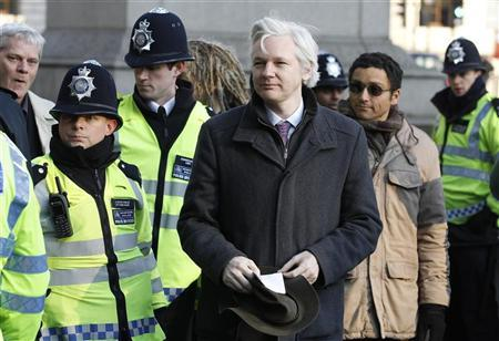 WikiLeaks founder Julian Assange arrives at the Supreme Court in London February 1, 2012.  REUTERS/Stefan Wermuth