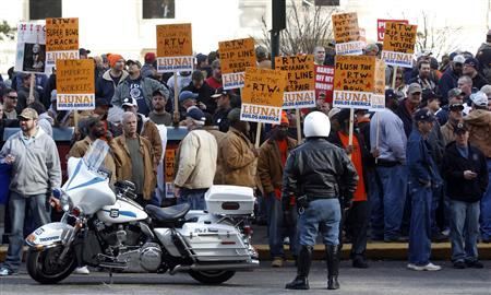 Union members protesting the right-to-work legislation outside the State Capitol in Indianapolis, February 1, 2012.  REUTERS/Jeff Haynes