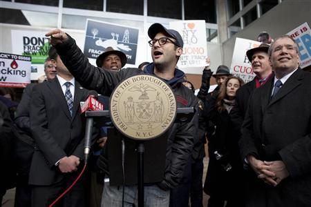 Academy Award-nominated director Josh Fox speaks during a protest against hydraulic fracturing outside the Tribeca Performing Arts Center, Borough of Manhattan Community College in New York November 30, 2011. REUTERS/Andrew Burton