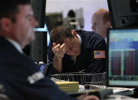 Traders work on the floor of the New York Stock Exchange September 22, 2011. REUTERS/Brendan McDermid