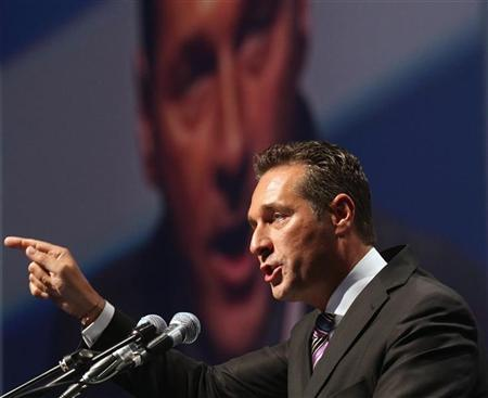 Head of Austrian Freedom Party (FPOe) Heinz-Christian Strache delivers a speech during the party's new year's gathering in Salzburg, January 21, 2012. REUTERS/Heinz-Peter Bader