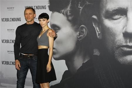 Girl with the dragon tattoo surpasses 200m mark reuters for Cast of girl with the dragon tattoo