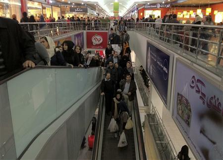 EDITORS' NOTE: Reuters and other foreign media are subject to Iranian restrictions on their ability to film or take pictures in Tehran. A view of the inside of a shopping mall is seen in northwestern Tehran February 3, 2012. REUTERS/Morteza Nikoubazl
