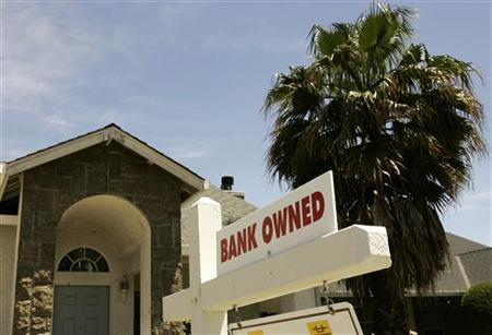 A foreclosed home is shown in Stockton, California May 13, 2008.  Home foreclosure filings in the U.S. jumped 23 percent in the first quarter from the prior quarter, and more than doubled from a year earlier. REUTERS/Robert Galbraith