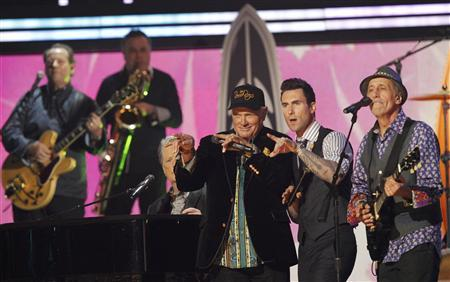 Mike Love (3rd R) and David Marks (R) of The Beach Boys perform with Adam Levine of Maroon 5 (2nd R) at the 54th annual Grammy Awards in Los Angeles, California February 12, 2012. REUTERS/Mario Anzuoni