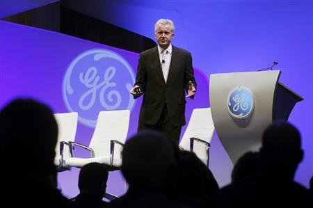 General Electric Chairman and CEO Jeff Immelt delivers the opening remarks prior a panel discussion hosted by GE on ''The Future of Manufacturing: Growing American Competitiveness'' at the Mellon Auditorium in Washington, February 13, 2012. REUTERS/Gary Cameron