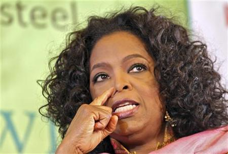 Entertainment host Oprah Winfrey speaks at the annual Literature Festival in Jaipur, capital of India's desert state of Rajasthan, January 22, 2012. REUTERS/Altaf Hussain
