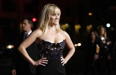 "Cast member Reese Witherspoon poses at the premiere of ""This Means War"" at the Grauman's Chinese theatre in Hollywood, California February 8, 2012. REUTERS/Mario Anzuoni"