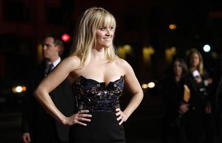 Cast member Reese Witherspoon poses at the premiere of ''This Means War'' at the Grauman's Chinese theatre in Hollywood, California February 8, 2012. REUTERS/Mario Anzuoni