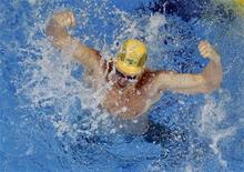 O australiano James Magnussen comemora após ter ganhado a competição de estilo livre de 100m masculino nos 14os Fifa World Championshiops em Xangai, 28 de julho de 2011. REUTERS/Carlos Barria